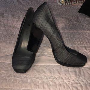 Naturalizer size 7 gray/black mirrored heel heels